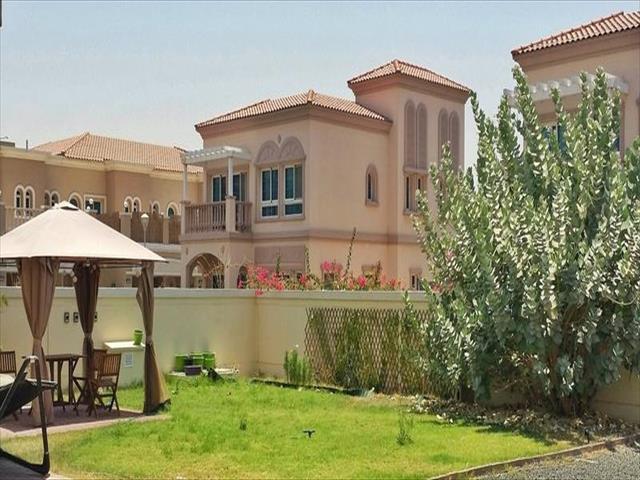 2 bedroom villa to rent in mediterranean villas jumeirah for Villas mediterranean