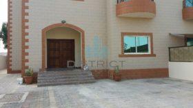 5 bedroom Villa to r...